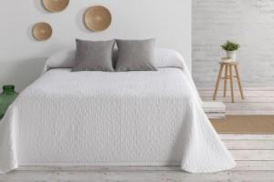 Colcha de verano blanca confeccionada en jacquard que ofrece una sensación de frescura de Burrito Blanco