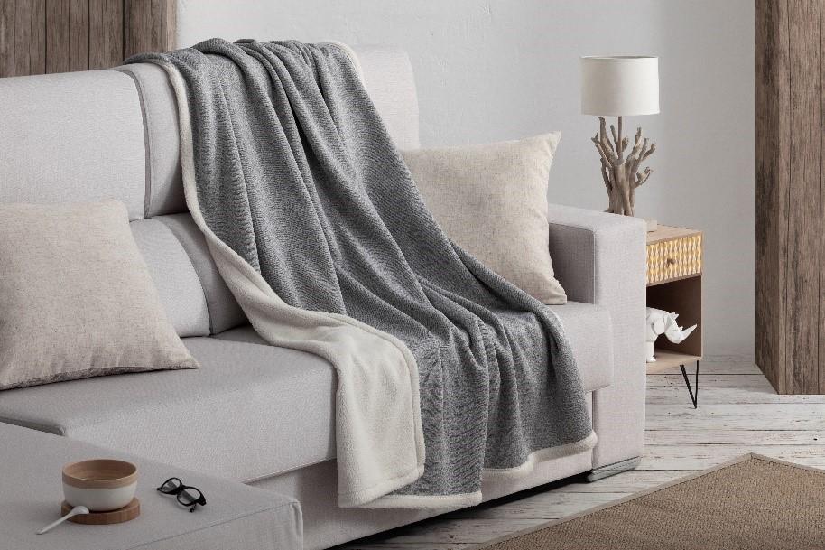 manta suave para relajarse en el sofá